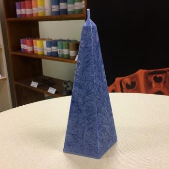 Arctic tumesinine püramiid küünal Dark Blue pyramic Candle Arctic