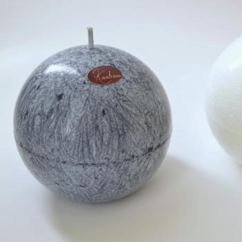 Hall looduslik keraküünal käsitöö Kaabsoo küünal - Natural handmade gray ball candle by Kaabsoo