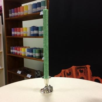 Roheline looduslik antiikküünal kroonküünal steariin käsitöö küünal Green Natural Dinner Candle Kaabsoo