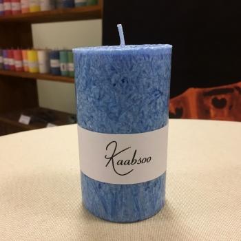 Pitsiline helesinine käsitööküünal Light blue cobweb candle